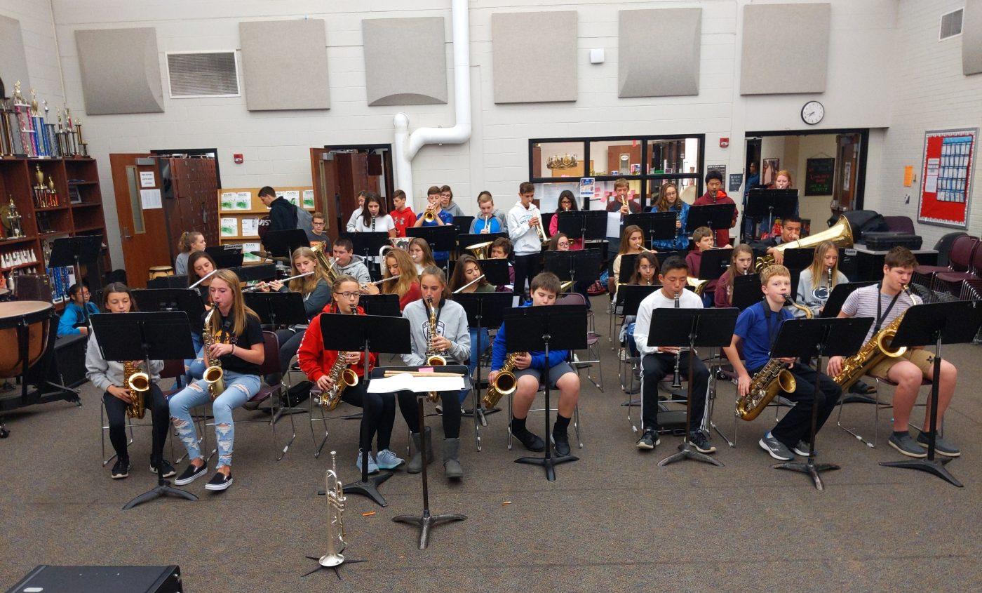 2019-2020 LMS Jazz Ensemble Practicing